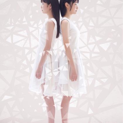"TOWER RECORDSアリオ川口店主催 合同リリース・イベント""Waves"""